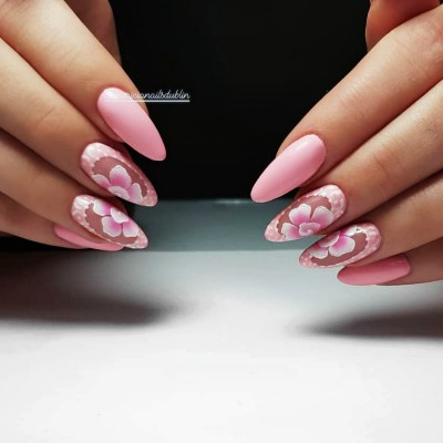 Hand-Painted-Nail-Designs-services